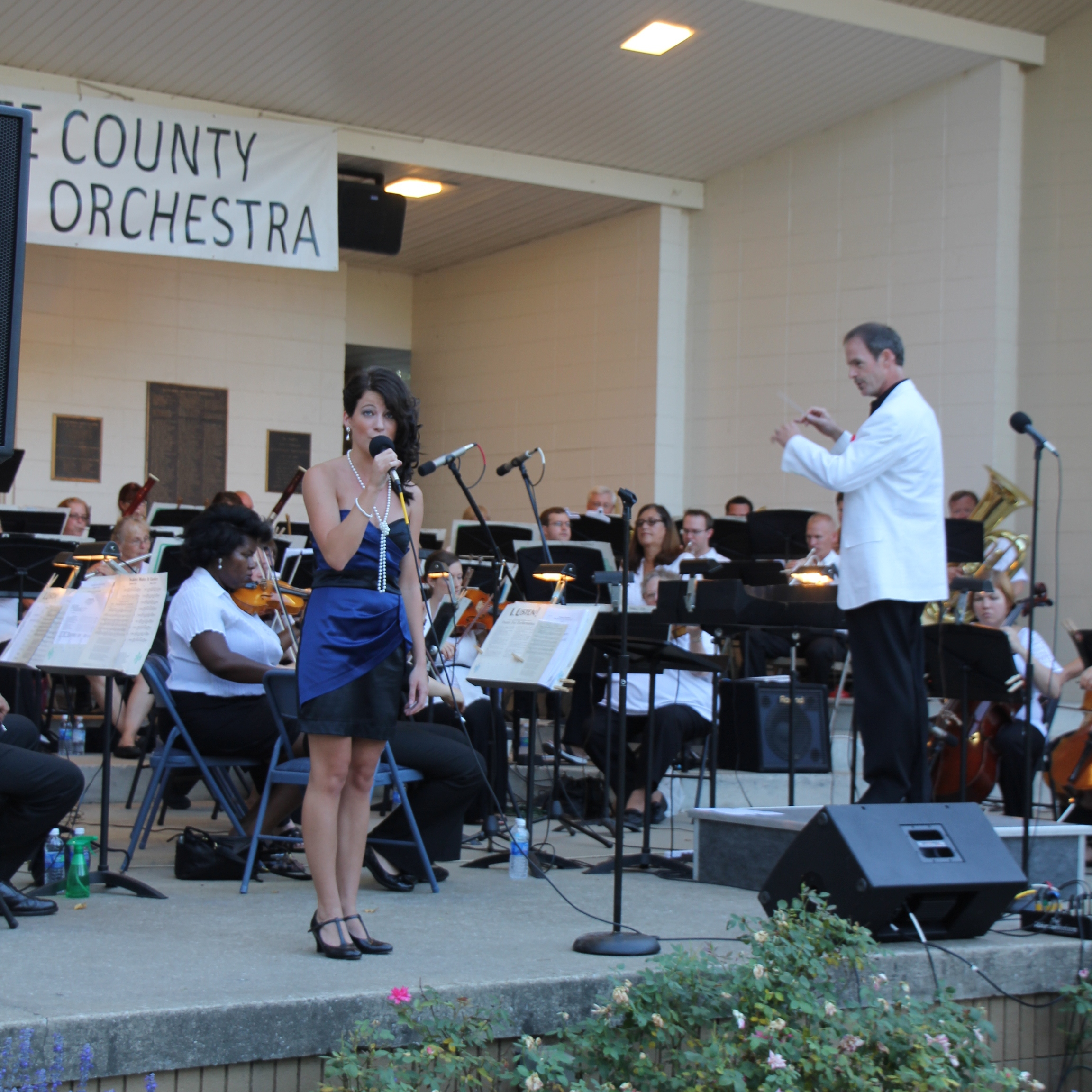 Philip Bauman conducts Lauren Mazur with the La Porte County Symphony